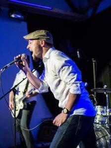 Stefan Holzhauer beim Singen